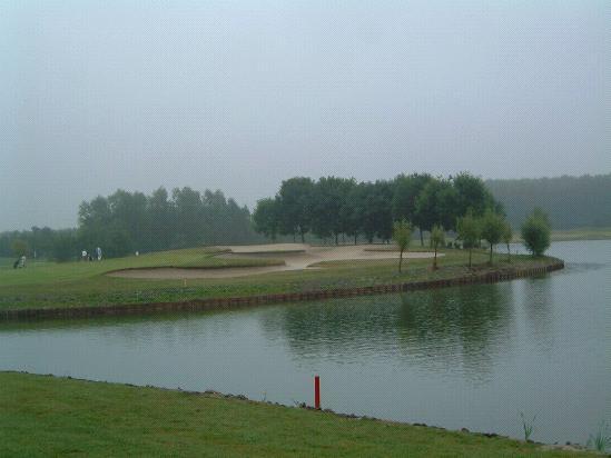 Golfbaan waterhindernis